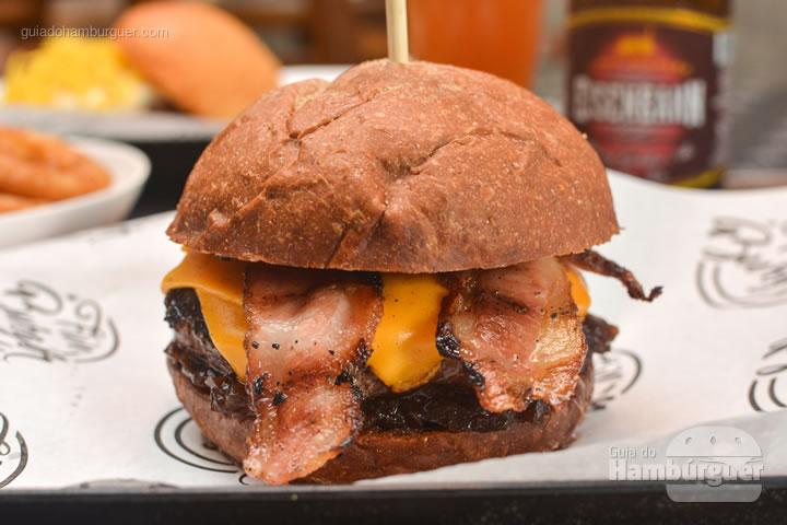 Five Black & Cheddar - Five Burger