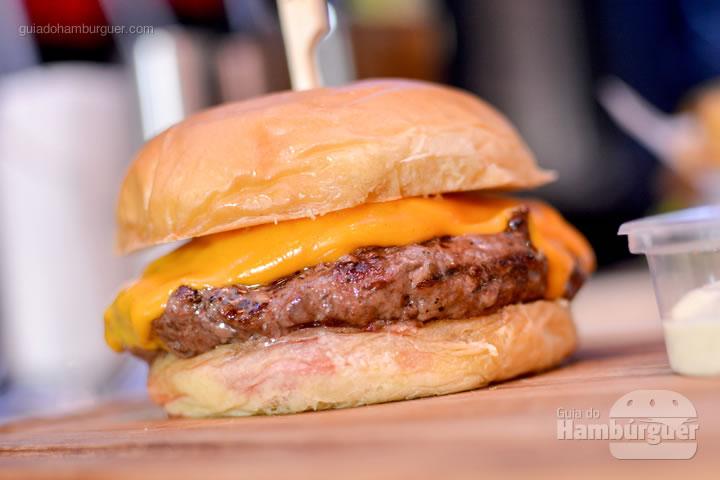 Cheeseburger feito com carne de Wagyu - Jack Steak Itaim