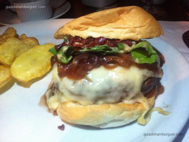La Bombonera Burger - Pobre Juan