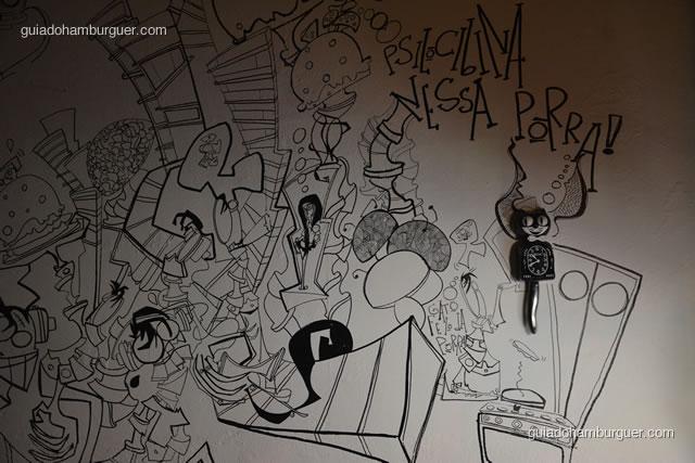 Desenho na parede de entrada - Hamburgueria 162 Station