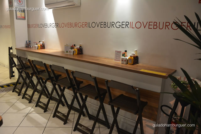 Balcão para refeições rápidas - I Love Burger