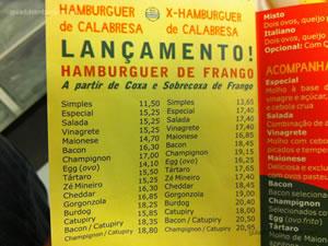 Cardápio de hambúrgueres de calabresa e frango - Burdog