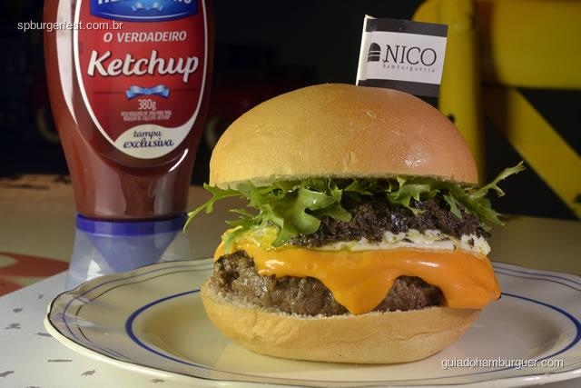Topogiggio - Hambúrguer de blend de carnes temperada, cheddar, ovo, azeite trufado, alface frisse em pão de hambúrguer – R$ 29,90 - SP Burger Fest 3ª edição