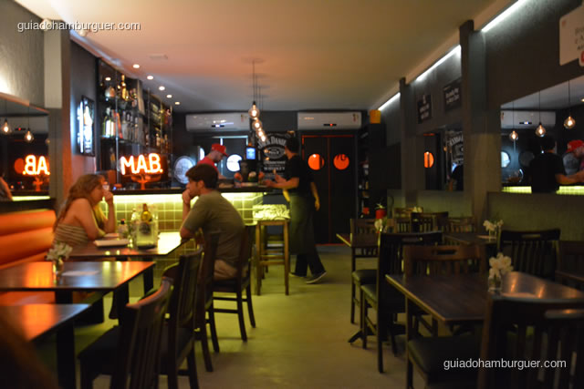Ambiente moderno e descolado - MAB Gastronomia