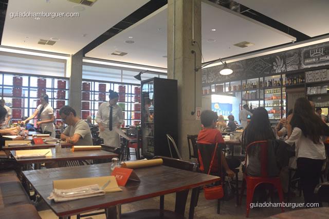 Visão da mesa em que sentamos - Ici Brasserie
