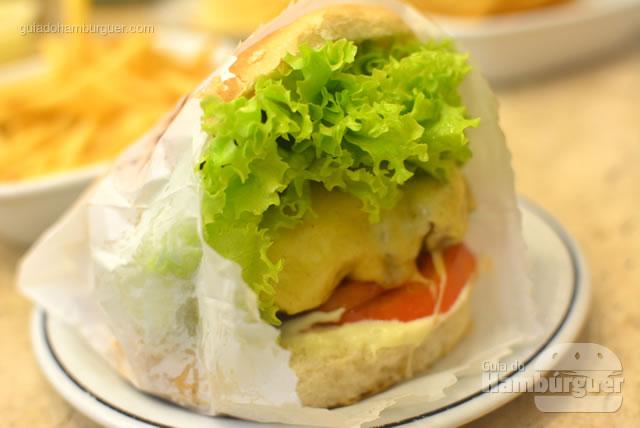 Servido em um saquinho como antigamente - Osnir Hamburger
