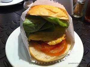 Cheese-salada de 150g com maionese a parte - Garage Burger
