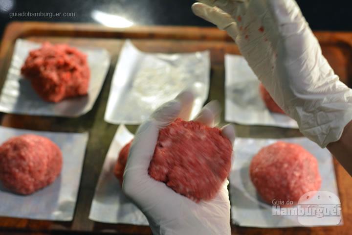 Batendo o hambúrguer - Receita hamburguer perfeito caseiro e profissional