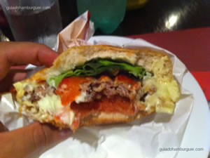 Cheese salada (x-salada) com hambúrguer de 120g e molho de tomate - Matriz Hamburgueria