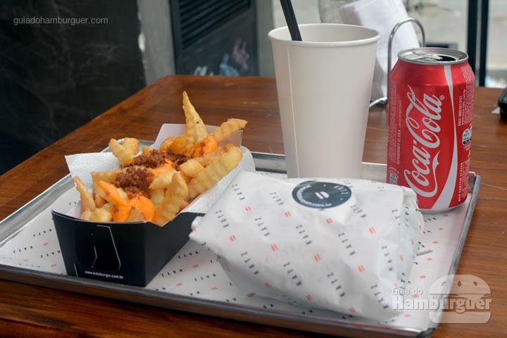 Hambúrguer, fritas e refrigerante - Katz Burger