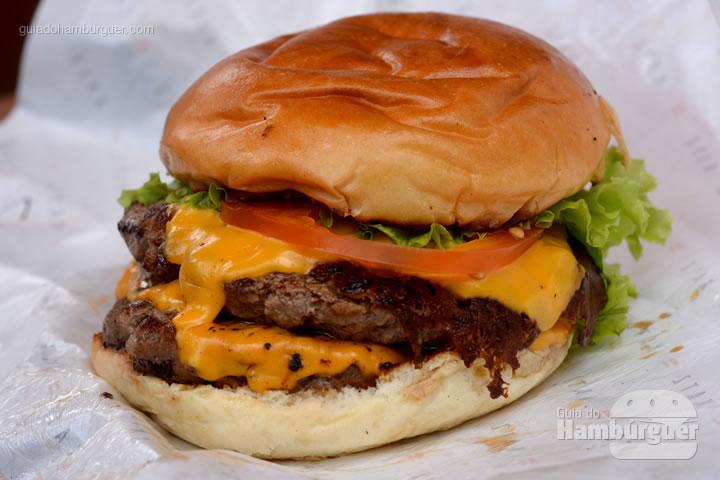Katz Salad, 120g de carne Black Angus servido ao ponto no pão brioche tostado com queijo prato ou cheddar, tomate rodela, alface e maionese caseira por R$ 17,50 - Katz Burger House