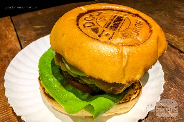 Pão marcado com o logo - Dock Burger