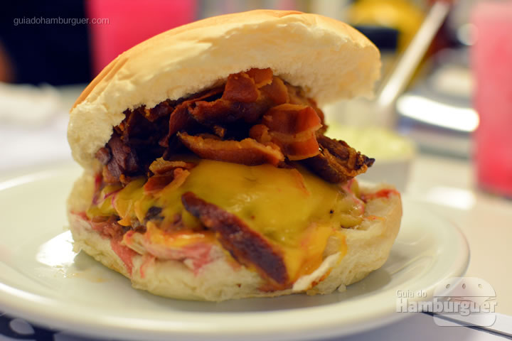 Cheesebacon- Mito Burger