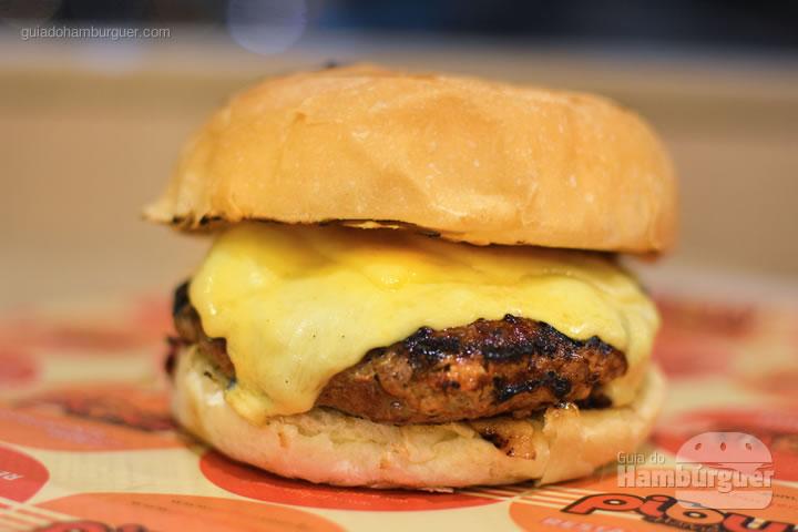 Cheese burger com 120g por R$ 17,50 e com 180g por R$ 23,10 - Pibus Hamburger