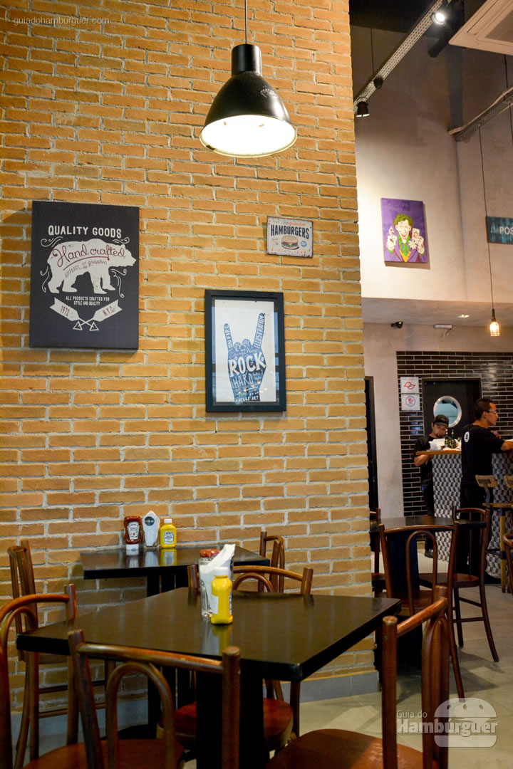 Ambiente - St. Joe Burger House