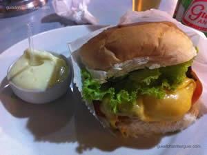 Cheese salada (x-salada) com maionese a parte - Burdega