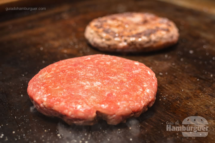 Hambúrguer fresco na chapa - Red Nose Burger & Hot Dog