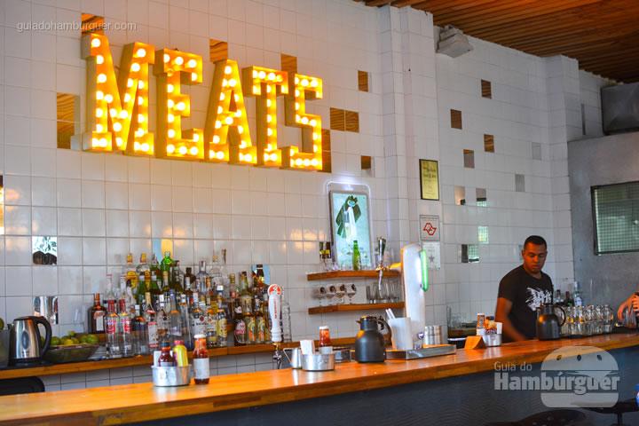 Detalhe do bar e do balcão - Meats