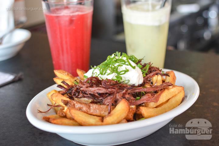 Pastrami Fries - Z Deli Sandwich Shop