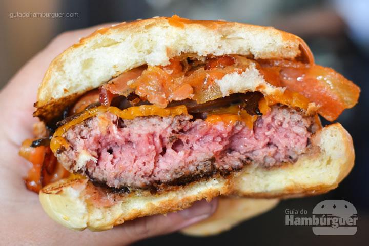 Ponto da carne do BBQ - Z Deli Sandwich Shop