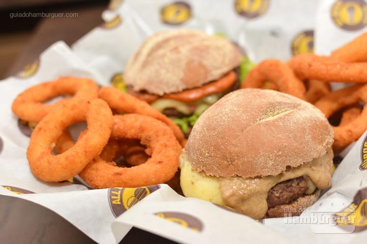 Combo com onion rings - All Bros Burger