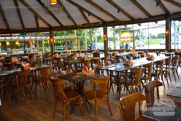 Ambiente - Paulista Burger em São José dos Campos