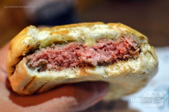 Cheese burger mal passado - Mano Sanduíches