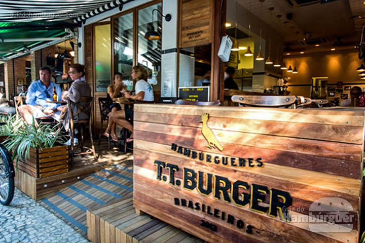 Fachada - T.T. Burger por Lelê Gianetti