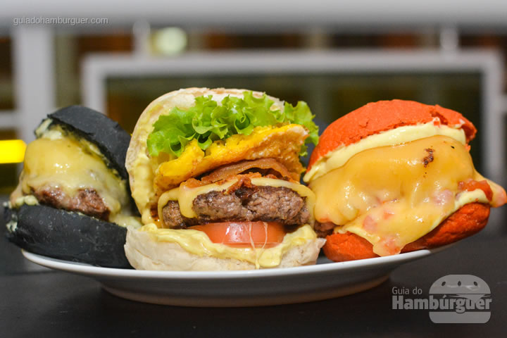 Olha a variedade e com pães coloridos - Rodízio de hambúrguer na Hamburgueria Artesanal