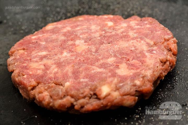 Disco de 200g de carne do Black Aust - New Dog no Burger Fest
