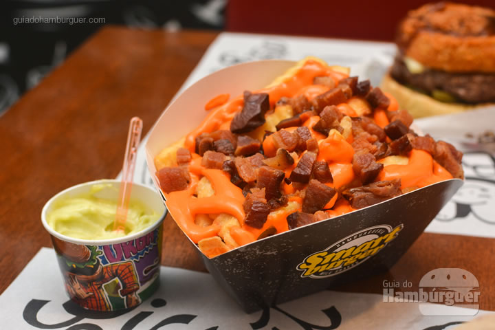 Fritas Smart com cheddar e bacon - Smart Burger em Osasco