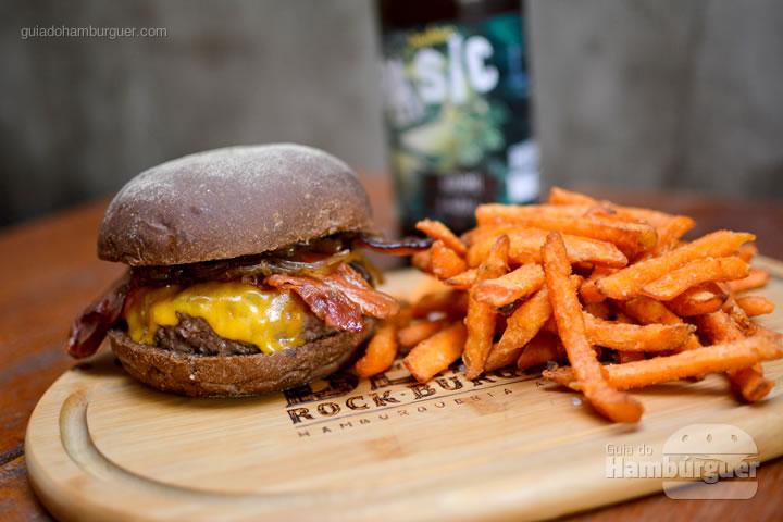Stones Burger - Bendito Rock Burger, hamburgueria e cervejaria artesanal