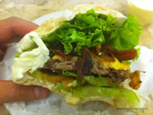 Cheese bacon salada (x-bacon salada) com maionese à parte - Osnir Hamburger