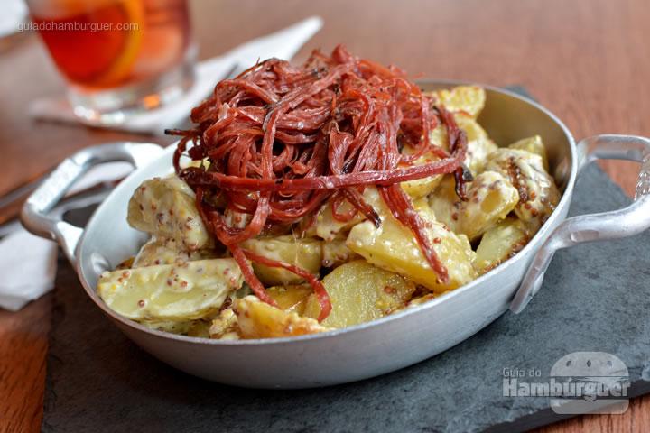 Batatas com pastrami - Frank & Charles Sandwich Bar