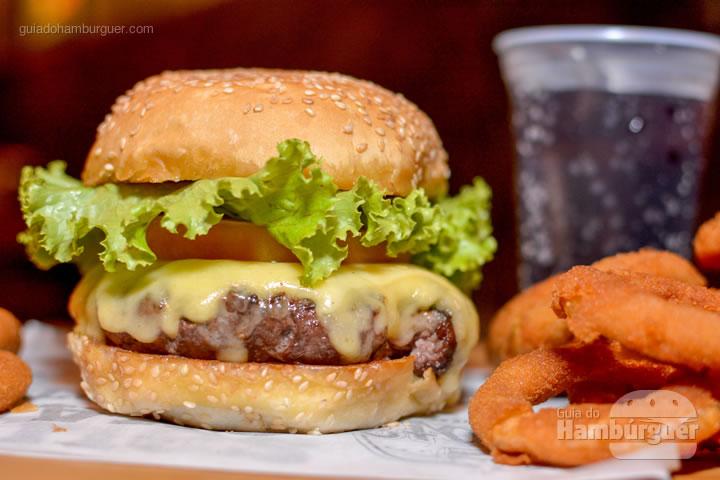 Cheese salada com aneis de cebola - Stage Burger