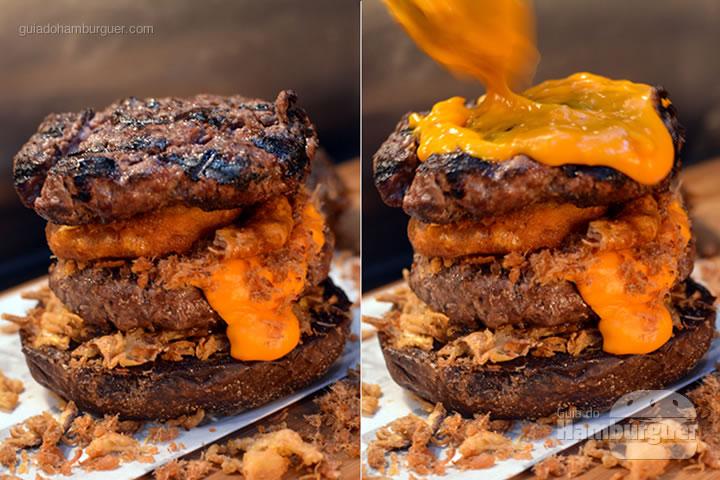 Depois das onion rings, mais um hambúrguer e cheddar - Stage Burger