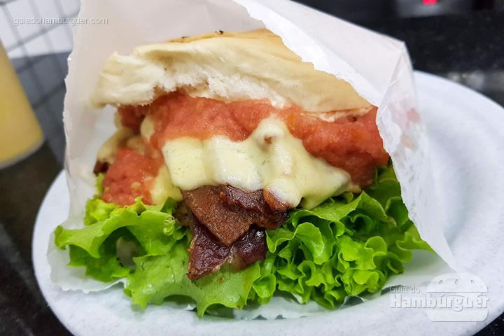 Cheesebacon salada - Hambúrguer do Seu Oswaldo