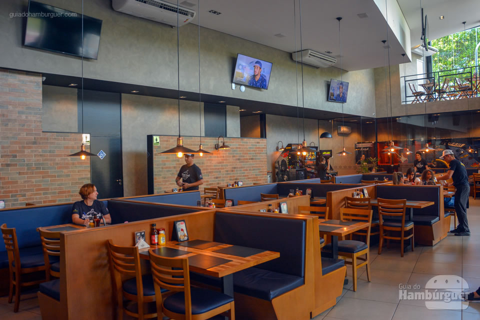 Ambiente no térreo - Black Rock Burger Beer