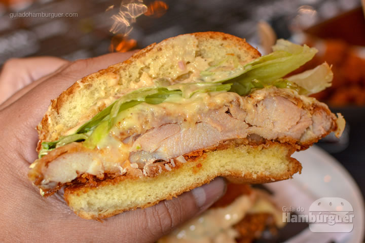 Chickenlicious - Between Buns
