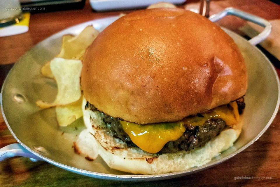 3º Beef Bar Escondido - As melhores hamburguerias do Rio de Janeiro